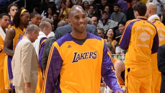 Kobe fully practicing!